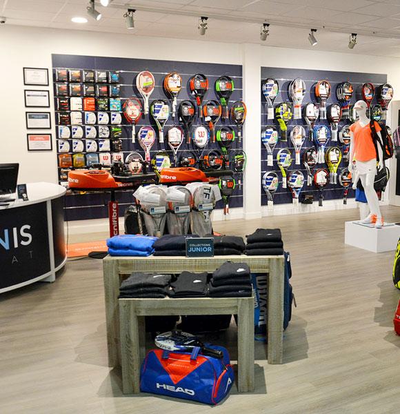 Interieur magasin Tennis Achat
